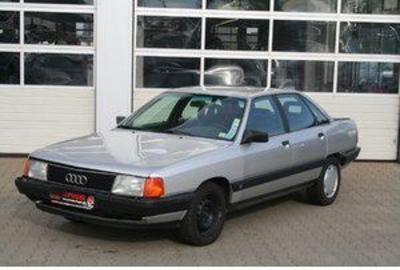 Фото 4 Audi 100 4 дв. седан
