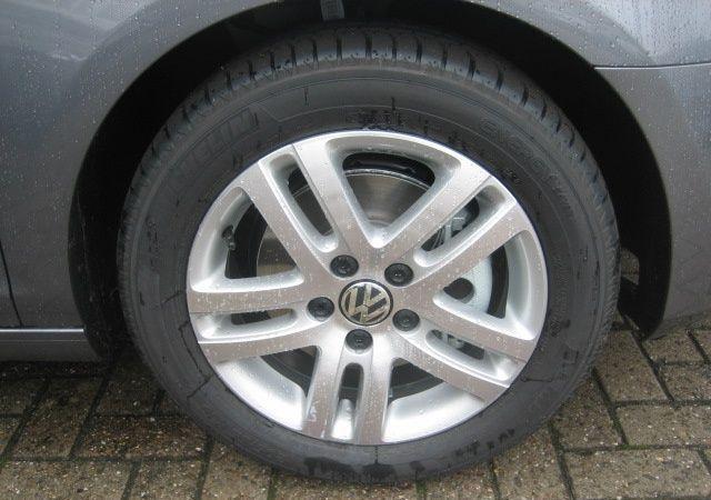 Фото 3 Volkswagen Golf 5 дв. хэтчбек