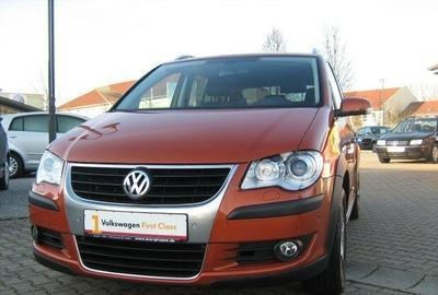 Фото 2 Volkswagen Touran 5 дв. минивэн