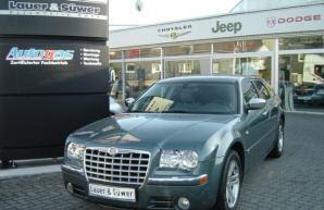 Фото 3 Chrysler 300C 5 дв. универсал