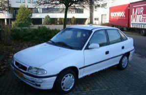 Фото 1 Opel Astra 4 дв. седан