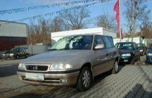 Фото 4 Opel Astra 4 дв. седан