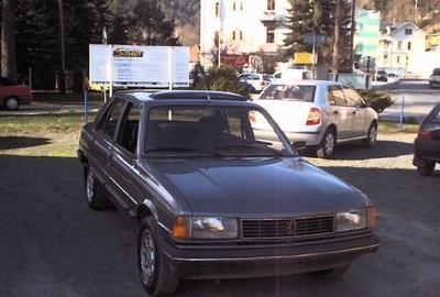 Фото 3 Peugeot 305 4 дв. седан