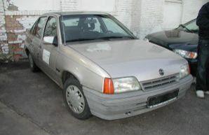 Фото 1 Opel Kadett 4 дв. седан