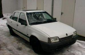 Фото 2 Opel Kadett 4 дв. седан