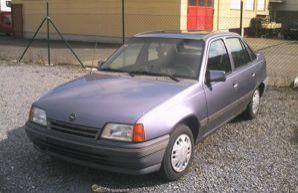 Фото 4 Opel Kadett 4 дв. седан