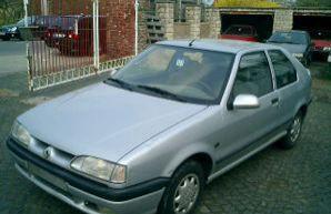 Фото 3 Renault 19 3 дв. хэтчбек