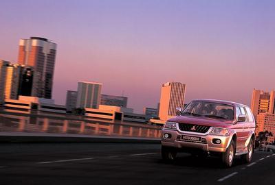 Фото 2 Mitsubishi Pajero Sport 5 дв. внедорожник